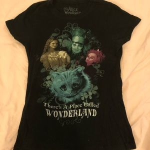 🍄Alice in Wonderland black t-shirt